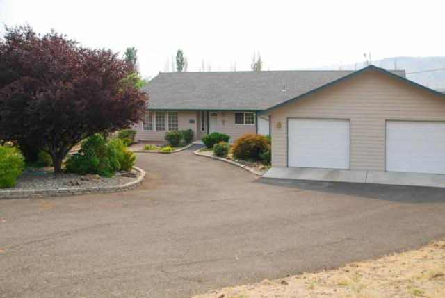 13735 Old Naches Hwy, Naches, WA 98937 (MLS #18-2077) :: Results Realty Group
