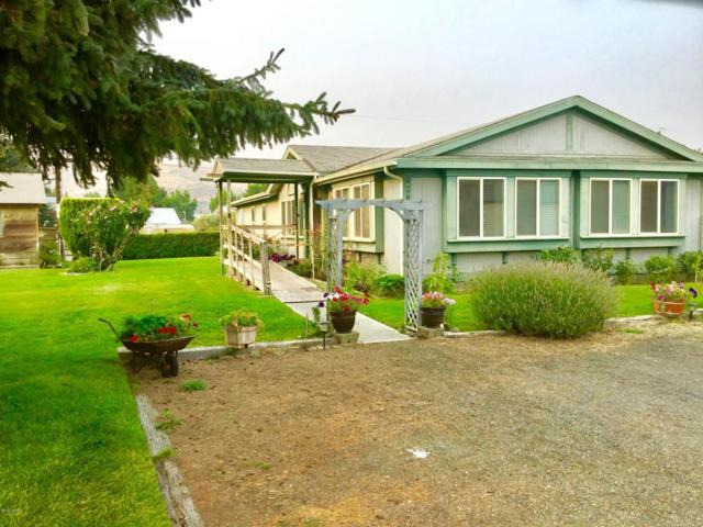 10581 Us 12 Ave, Naches, WA 98937 (MLS #18-2078) :: Results Realty Group