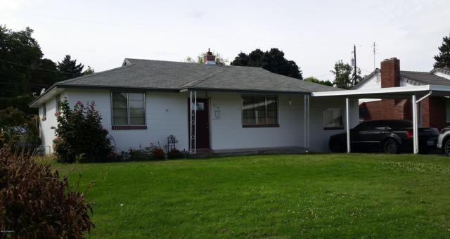 914 S 28th Ave, Yakima, WA 98902 (MLS #18-2261) :: Heritage Moultray Real Estate Services