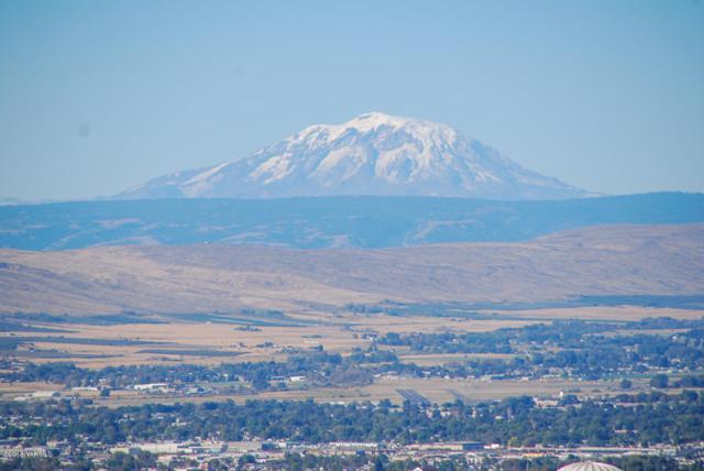NKA Terrett Way #4, Yakima, WA 98902 (MLS #18-2318) :: Heritage Moultray Real Estate Services