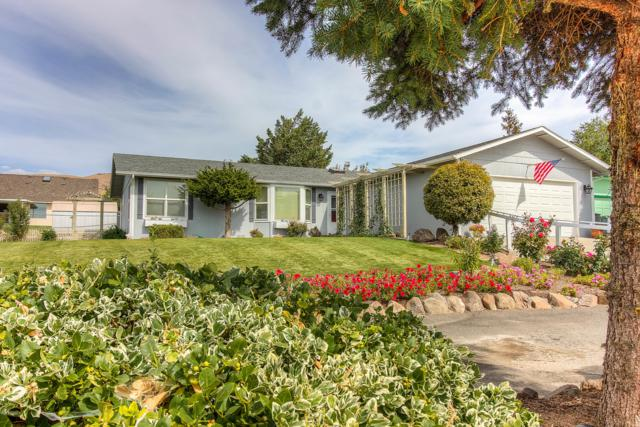 5401 Mt. Clemens Way, Yakima, WA 98901 (MLS #18-2336) :: Heritage Moultray Real Estate Services