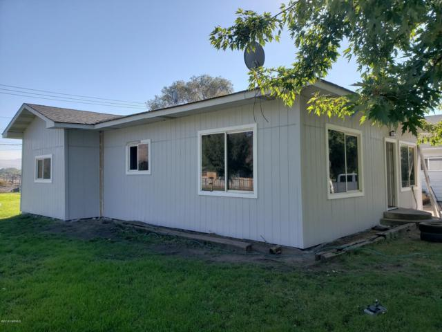 515 N 7th St, Yakima, WA 98901 (MLS #18-2402) :: Heritage Moultray Real Estate Services
