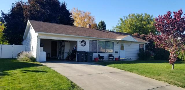 418 N 30th Ave, Yakima, WA 98902 (MLS #18-2610) :: Results Realty Group