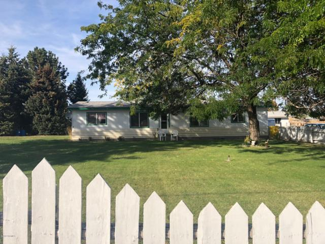 137904 W North River Rd, Prosser, WA 99350 (MLS #18-2690) :: Heritage Moultray Real Estate Services