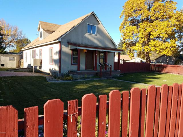 720 N 6th St, Yakima, WA 98901 (MLS #18-2716) :: Heritage Moultray Real Estate Services