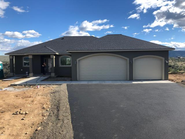290 Sparrow Ln, Yakima, WA 98908 (MLS #18-2750) :: Heritage Moultray Real Estate Services