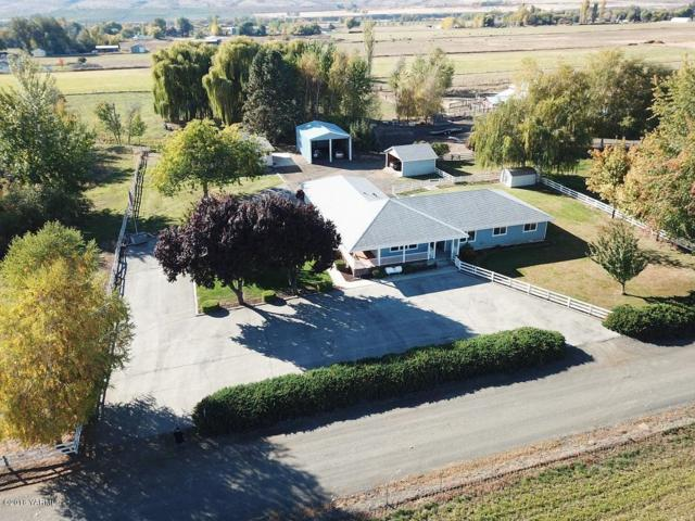 14000 Mcinnis Ln, Yakima, WA 98903 (MLS #18-2768) :: Heritage Moultray Real Estate Services