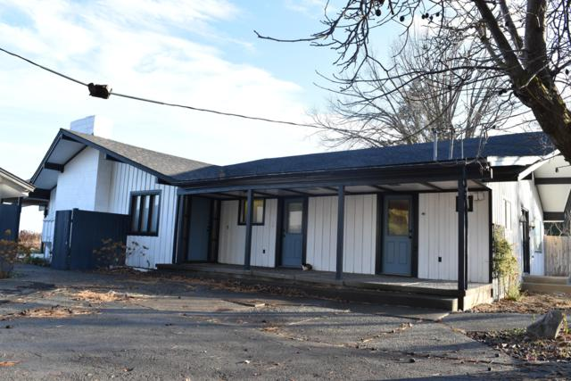 801 Hinman Rd, Harrah, WA 98933 (MLS #18-2893) :: Heritage Moultray Real Estate Services