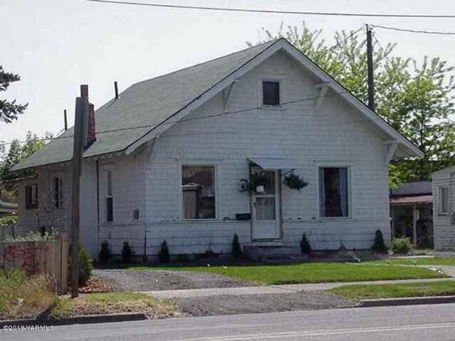 404 W I St, Yakima, WA 98902 (MLS #18-2936) :: Results Realty Group