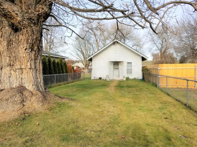 8507 Aspen Rd, Yakima, WA 98903 (MLS #18-2945) :: Heritage Moultray Real Estate Services
