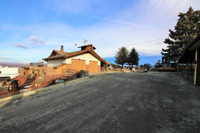 421 View Point Dr, Yakima, WA 98903 (MLS #18-2948) :: Heritage Moultray Real Estate Services
