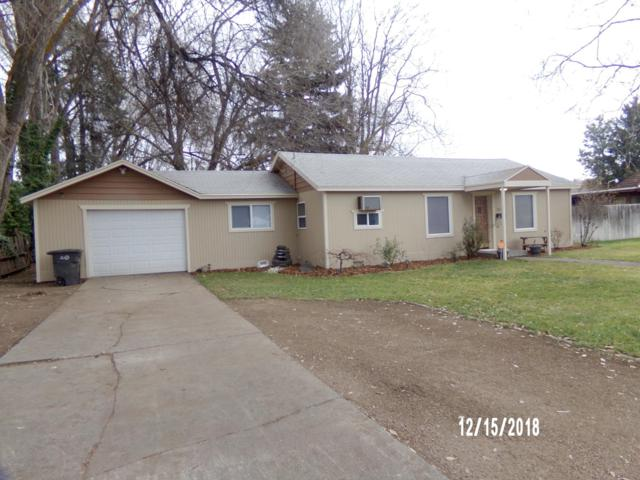 511 N 25th Ave, Yakima, WA 98902 (MLS #18-2965) :: Heritage Moultray Real Estate Services