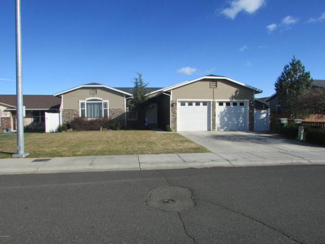 2307 S 80th Ave, Yakima, WA 98903 (MLS #18-334) :: Heritage Moultray Real Estate Services