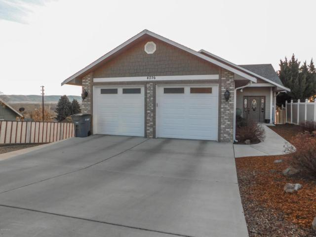 4206 E Hillcrest Dr, Yakima, WA 98901 (MLS #18-418) :: Heritage Moultray Real Estate Services