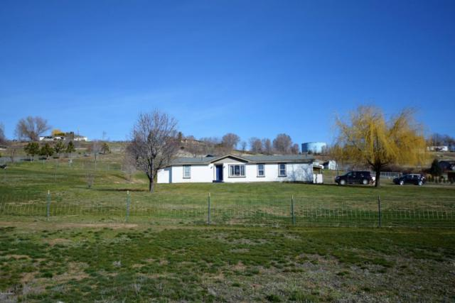 12901 Wide Hollow Rd, Yakima, WA 98908 (MLS #18-526) :: Heritage Moultray Real Estate Services