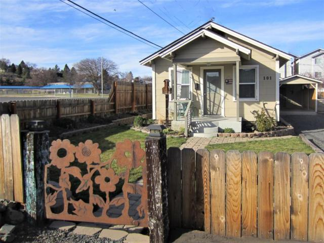 101 E Bartlett Ave, Selah, WA 98942 (MLS #18-542) :: Heritage Moultray Real Estate Services