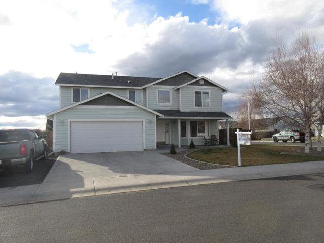 112 Mt.Hood St, Yakima, WA 98936 (MLS #18-551) :: Heritage Moultray Real Estate Services