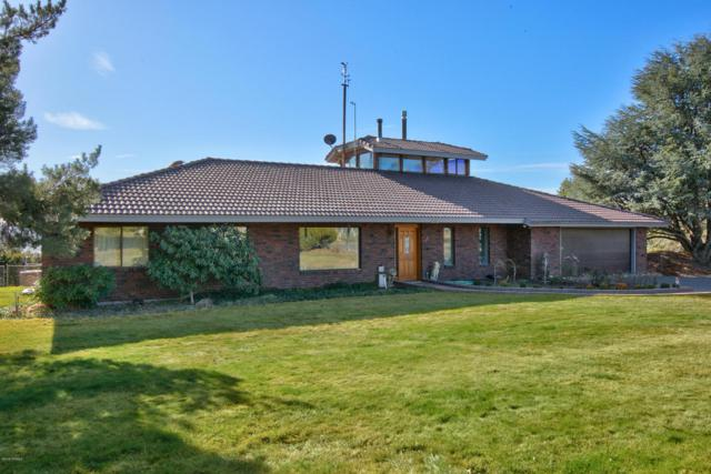 801 Crest Dr, Yakima, WA 98908 (MLS #18-809) :: Results Realty Group