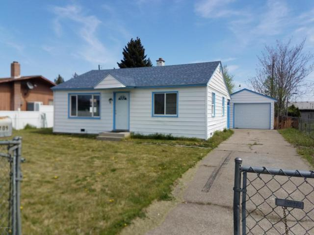 1109 S 1st Ave, Yakima, WA 98902 (MLS #18-953) :: Heritage Moultray Real Estate Services