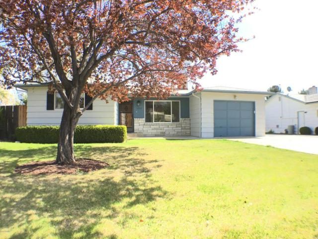 1203 S 31st Ave, Yakima, WA 98902 (MLS #18-957) :: Heritage Moultray Real Estate Services