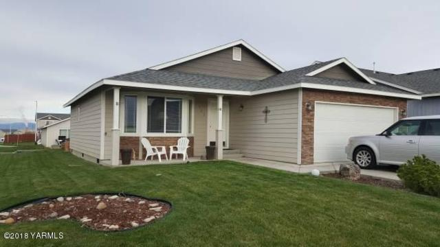 502 N Iler St, Moxee, WA 98936 (MLS #18-980) :: Results Realty Group