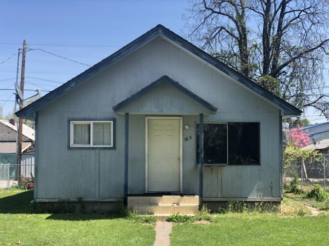 703 S 7TH St, Yakima, WA 98901 (MLS #19-1009) :: Results Realty Group
