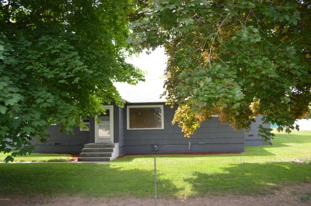 7804 Midvale Rd, Yakima, WA 98908 (MLS #19-1108) :: Heritage Moultray Real Estate Services