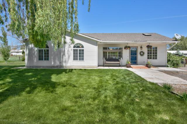 11412 Wide Hollow Rd, Yakima, WA 98908 (MLS #19-1143) :: Heritage Moultray Real Estate Services