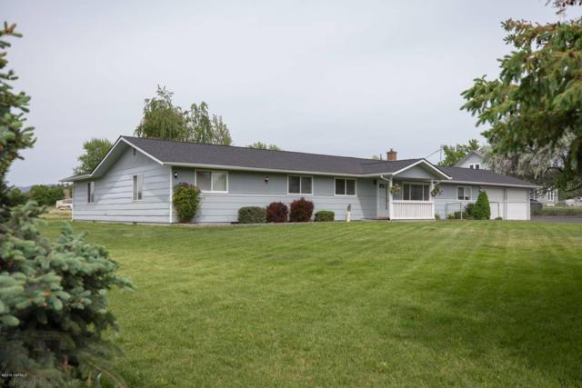 202 S Pear Ave, Yakima, WA 98908 (MLS #19-1157) :: Heritage Moultray Real Estate Services
