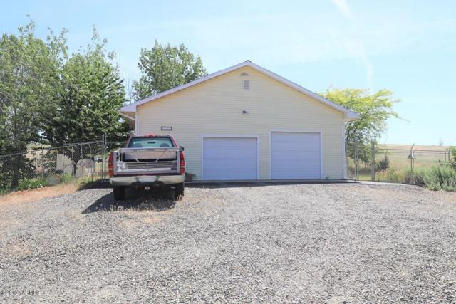 4301 Cheyne Rd, Zillah, WA 98953 (MLS #19-1369) :: Heritage Moultray Real Estate Services