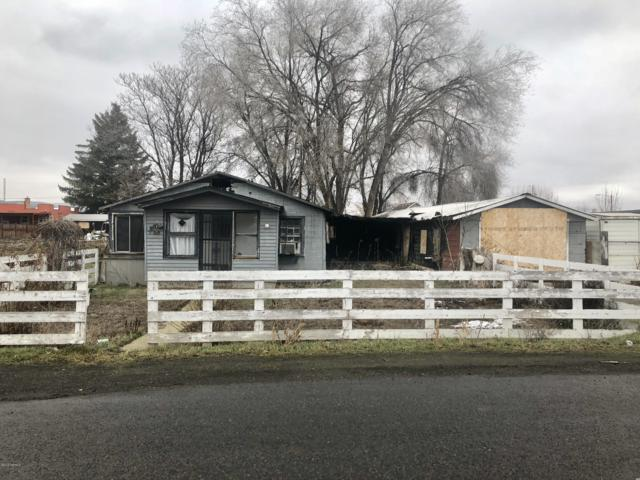 509 N 22nd Ave, Yakima, WA 98902 (MLS #19-138) :: Heritage Moultray Real Estate Services