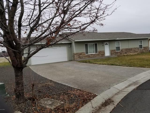 2400 S 73rd Ave, Yakima, WA 98903 (MLS #19-139) :: Heritage Moultray Real Estate Services