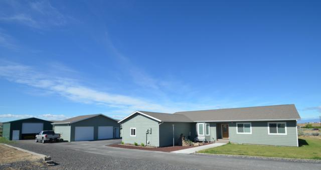 12840 Postma Rd, Moxee, WA 98936 (MLS #19-1405) :: Results Realty Group