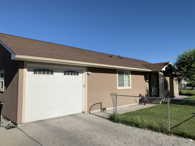 701 Mathew Ave, Granger, WA 98932 (MLS #19-1441) :: Heritage Moultray Real Estate Services
