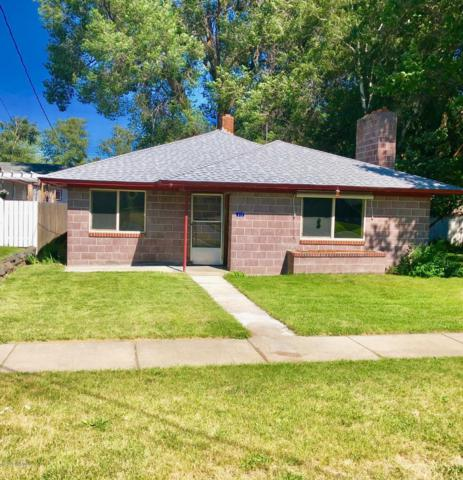 313 Naches Ave, Naches, WA 98937 (MLS #19-1494) :: Results Realty Group