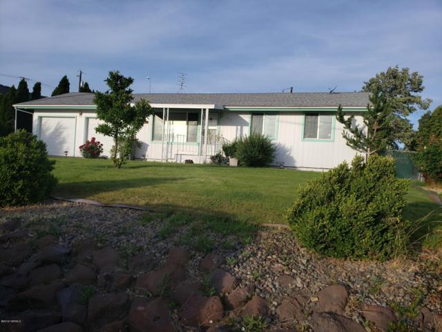 103 Canyon Rd, Yakima, WA 98901 (MLS #19-1518) :: Results Realty Group