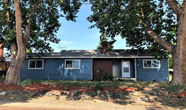 5411 Morningside Dr, Yakima, WA 98901 (MLS #19-1667) :: Heritage Moultray Real Estate Services