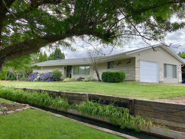 315 N 28th Ave, Yakima, WA 98902 (MLS #19-1700) :: Heritage Moultray Real Estate Services