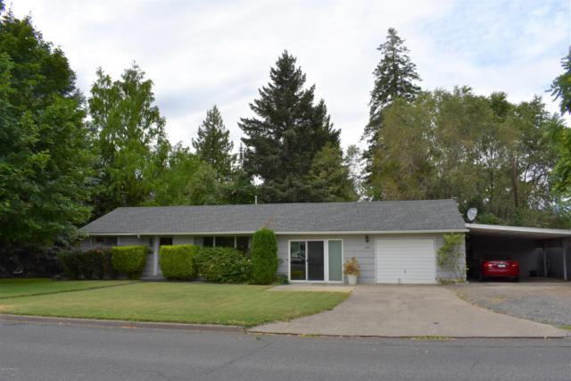 1224 S 11th Ave, Yakima, WA 98902 (MLS #19-1705) :: Heritage Moultray Real Estate Services