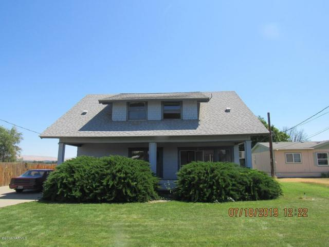 530 N Fir St, Toppenish, WA 98948 (MLS #19-1772) :: Heritage Moultray Real Estate Services