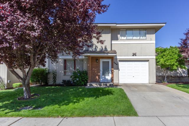702 S 45th Ave #2, Yakima, WA 98908 (MLS #19-1774) :: Results Realty Group