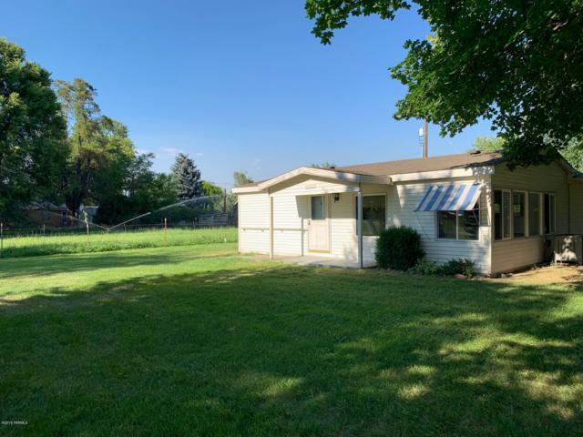 141201 W Buena Vista Rd, Prosser, WA 99350 (MLS #19-1811) :: Heritage Moultray Real Estate Services