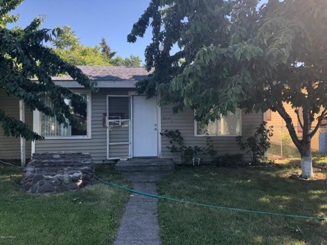 1304 Cherry Ave, Yakima, WA 98902 (MLS #19-1813) :: Heritage Moultray Real Estate Services