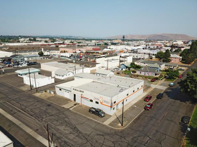 616 S 2nd St, Yakima, WA 98901 (MLS #19-1827) :: Heritage Moultray Real Estate Services