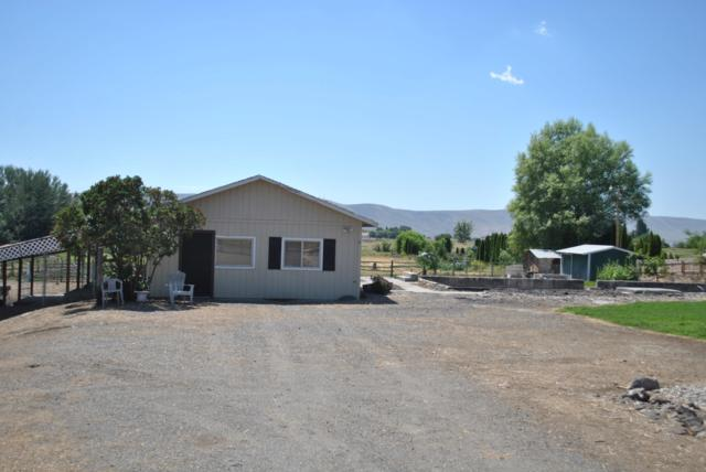 42741 N Crosby Rd, Prosser, WA 99350 (MLS #19-1858) :: Heritage Moultray Real Estate Services