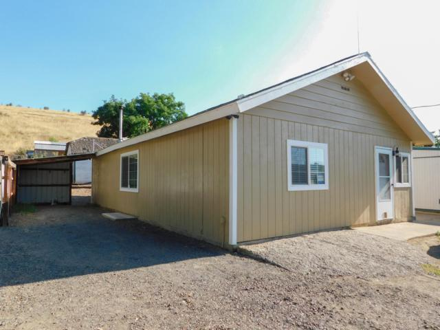16881 Cottonwood Canyon Rd, Yakima, WA 98908 (MLS #19-1893) :: Heritage Moultray Real Estate Services