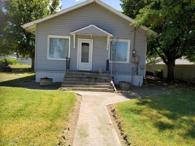 622 Adams St, Grandview, WA 98930 (MLS #19-1894) :: Heritage Moultray Real Estate Services