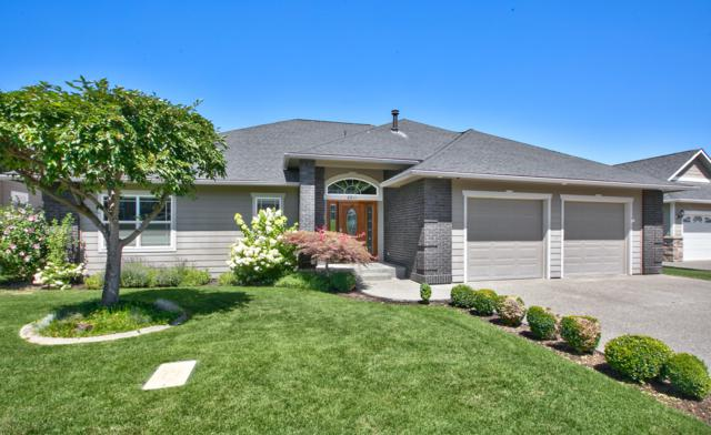 8811 Braeburn Lp, Yakima, WA 98903 (MLS #19-1944) :: Heritage Moultray Real Estate Services