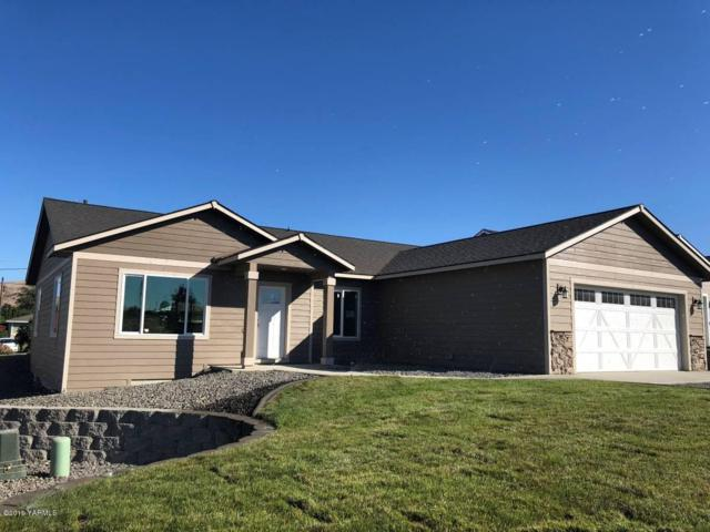 306 Channel Dr, Yakima, WA 98901 (MLS #19-1968) :: Joanne Melton Realty Team