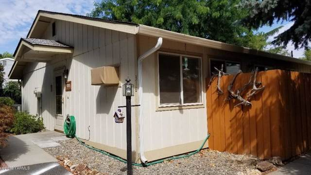 318 N 18TH Ave, Yakima, WA 98902 (MLS #19-1997) :: Heritage Moultray Real Estate Services